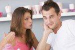 Психологи установили темы разговоров, после которых парни перестают слушать девушек