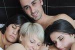 Письмо читательницы: любимый хочет попробовать секс втроем, но я не решаюсь
