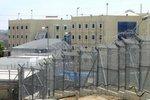 Тюремный охранник обвиняется в сексуальных домогательствах к заключенным