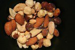 Орехи повышают потенцию