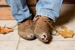 О бедности мужчины говорят дешевая одежда и неспособность заплатить за ужин