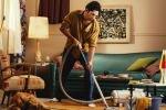 Россиянки не доверяют мужчинам работу по дому и считают их лучшими в постели и в интернете