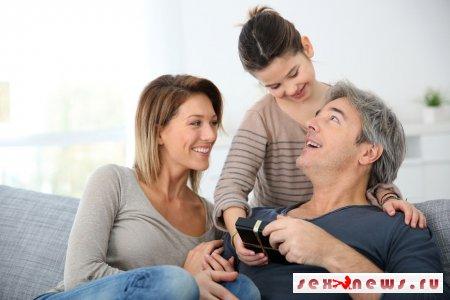 Выходить ли маме замуж? Отношения ребенка от предыдущего брака с новым супругом